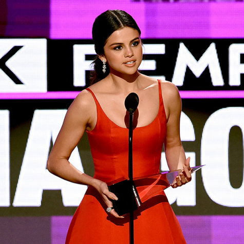 Selena Gomez Hits Refresh with Break from Cell Phone Use