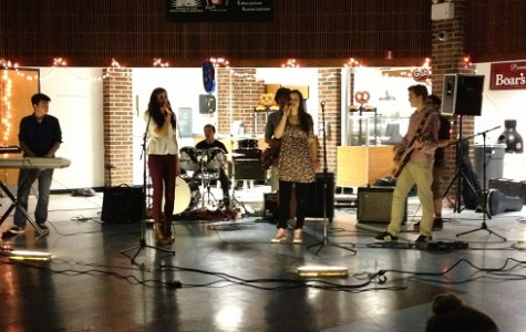 Musicians Bring Down the House at the EHTC Benefit Concert